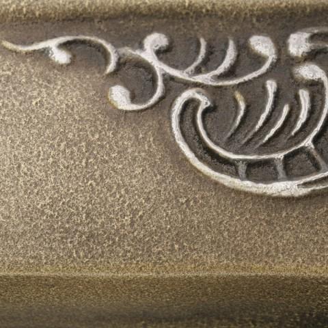 Antique Brass [eksponowany ornament - Silver]
